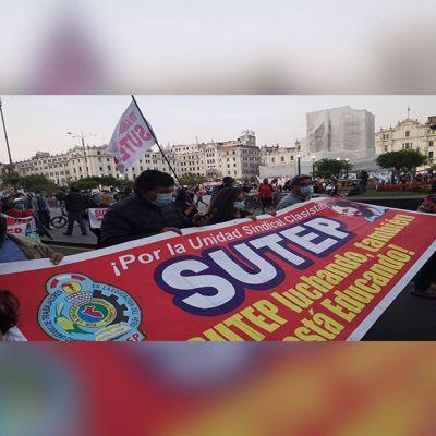 Perú: CGTP y SUTEP marchan por una nueva Constitución para el país