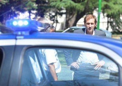 Cambios en la Policía tensionan aún más la relación de Garro con la Provincia