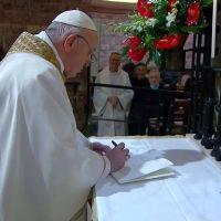 Aborto: los argumentos que elige el papa Francisco en sus cartas y llamados a los legisladores que debatirán la ley
