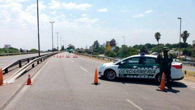 Ambientalistas bloquearon con un acampe el puente Rosario-Victoria en reclamo de la ley de humedales
