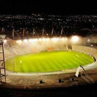 El Minella se iluminó para homenajear a Diego Maradona