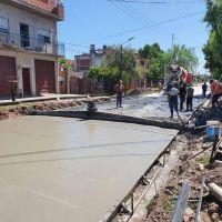 El municipio asfalta más de 20 cuadras en Villa Albertina