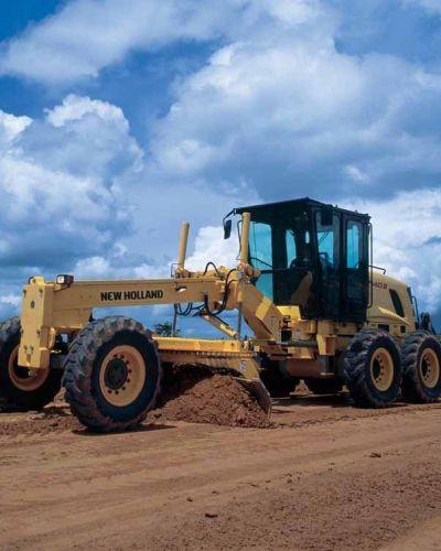 El Municipio licita la compra de dos motoniveladoras y dos camiones por casi 67 millones