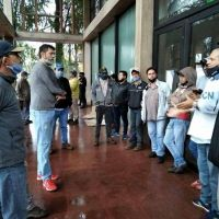 Municipales de Aristóbulo del Valle tomaron el edificio por mejoras salariales