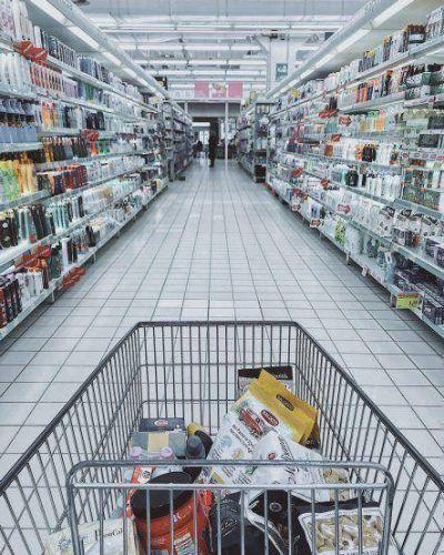Caen las ventas en supermercados y centros de compra