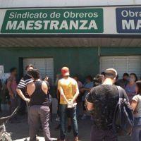 """""""Unamos fuerzas"""": Trabajadores de maestranza movilizan en Bahía Blanca"""