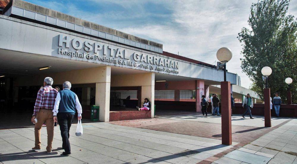 Abrazan el Hospital Garrahan contra el aumento salarial del 7% firmado por UPCN