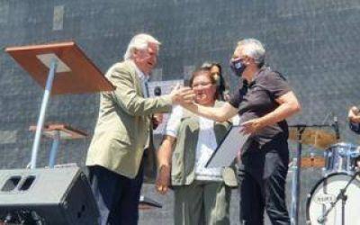 Julio Zamora presente en el cierre de año de Iglesias Unidas de Tigre
