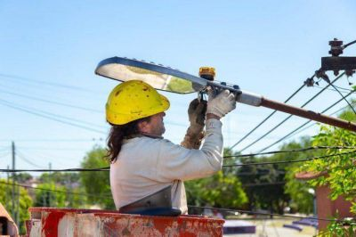 Mayra promete triplicar las luces LED e invertir 700 millones en seguridad