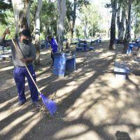 Cuatro cooperativas trabajan en la limpieza de 14 kilómetros de costanera
