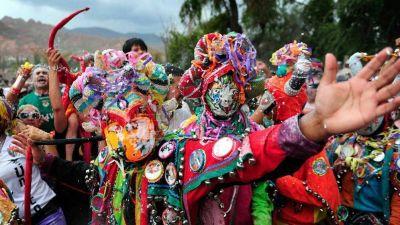 Carnaval 2021: Morales autorizó lo impensado: desentierro del Pujllay con 20 personas