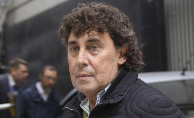 Reaparece Pablo Micheli con una movilización a Trabajo para que el Gobierno no lo discrimine