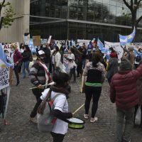 Los enfermeros porteños llevan su protesta a la casa de Larreta y anuncian un acampe en la 9 de Julio