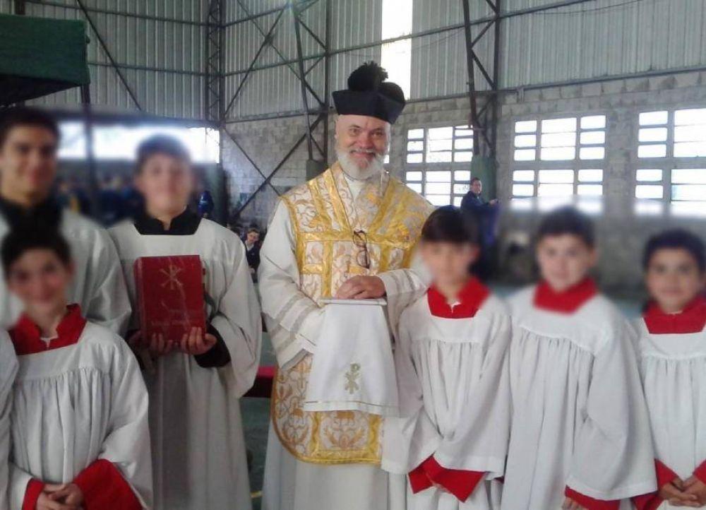 Ordenan la detención del sacerdote acusado de abusar de una alumna en un colegio de La Plata