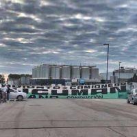 Camioneros cortaron la distribución de Quilmes y Pepsi en la provincia