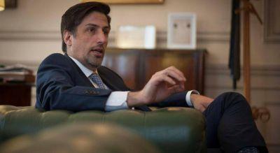 El ministro Trotta anunció refacciones y provisión de insumos