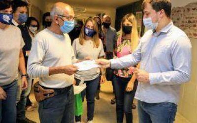 Avellaneda: Chornobroff entregó 12 millones de pesos en subsidios para escuelas locales