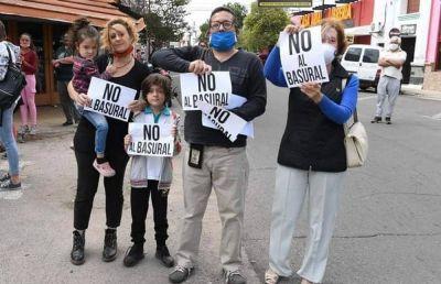 Vecinos rechazan la creación de un megabasural en Cruz del Eje