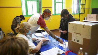En las elecciones del domingo, el PJy la UCR perdieron cerca de 13 mil votos