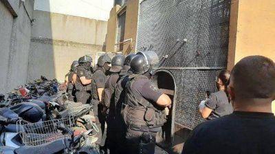 Las comisarías en la ciudad de Santa Fe tienen alojados el triple de detenidos de sus capacidades