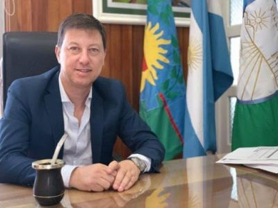 """Intendente vecinalista: """"La autonomía es darle a los 135 municipios bonaerenses la capacidad de decidir su propio destino"""""""