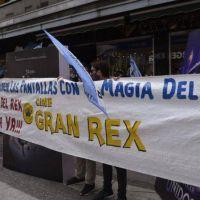 Trabajadores del Cine Gran Rex pidieron la reapertura en Córdoba