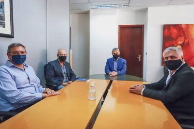 """El intendente Santillán se reunió con Ferraresi, quien anticipó """"una fuerte inversión en viviendas"""""""
