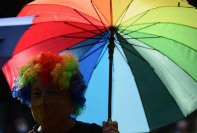 La Marcha del Orgullo copó las calles de La Plata con bombos, banderas y baile