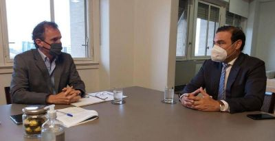 Valdés conversó con jóvenes sobre el futuro de Corrientes
