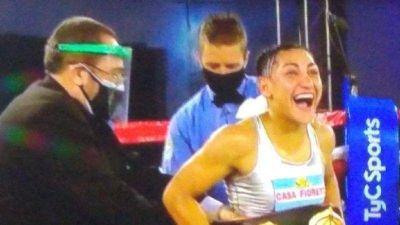 El gobernador Raul Jalil felicitó a Nazarena Romero por su campeonato mundial de boxeo