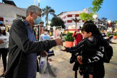 El equipo sanitario no baja los brazos e insiste con la campaña que recuerda las medidas preventivas