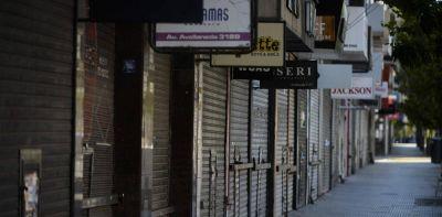 Alarma en los comercios: empresarios ya hablan de pagar sueldos y aguinaldos en cuotas