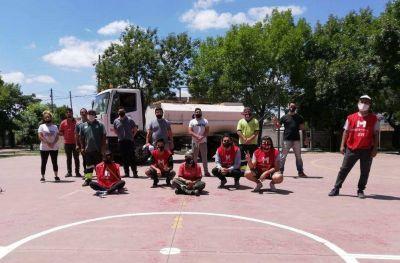Jornada solidaria de mantenimiento de espacios públicos en Morón sur