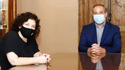Vizzotti apuntaló a los intendentes del PJ por el plan de vacunación