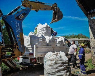 Escobar: gracias al compromiso de los vecinos, el Municipio recolectó 11 mil kg de ecobotellas
