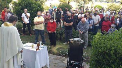 """El padre Mauricio dio detalles de la organización de la peregrinación al """"Monte de los Recuerdos"""""""