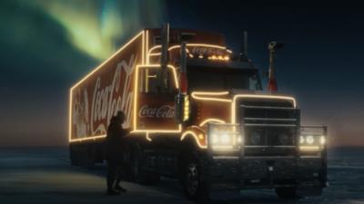 Coca-Cola tiene claro quién es el superhéroe de la Navidad
