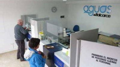 Intendente Reino anunció que finaliza la concesión con Aguas de Balcarce: