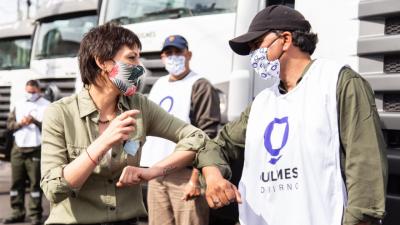 La empresa de recolección de basura del distrito de Mayra Mendoza realiza flete de palets