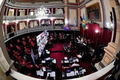 """Senadores de Cambiemos acusan a Kicillof de """"tener una Justicia adormecida"""""""