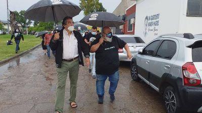 Godoy confirmó que se reabren las paritarias en el Estado, que va por un bono y que habrá 30 mil pases a planta