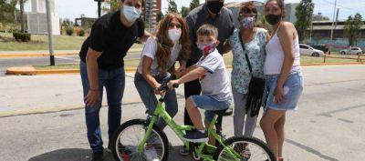 Avellaneda: Chornobroff entregó más de 1700 bicicletas, junto al ministro Jorge Ferraresi y la diputada Magdalena Sierra