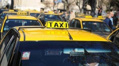 Taxis: el aumento de la tarifa podría llegar a $97,50