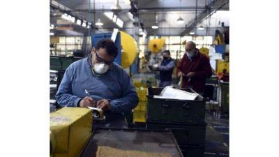 Reabrieron casi todas las fábricas, pero hay más de 10.000 empleos menos que en 2019