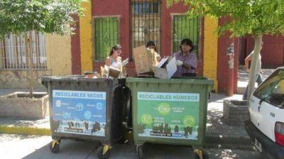 Rivadavia: el intendente premia a los vecinos que reciclan bien