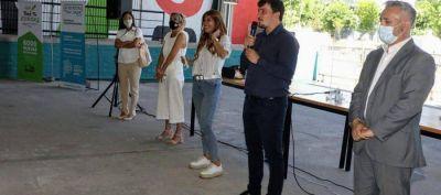 El intendente Chornobroff y la diputada Magdalena Sierra entregaron escrituras a vecinxs del Barrio 4 de Junio
