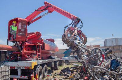 Vuelven a compactar los vehículos secuestrados en Quilmes
