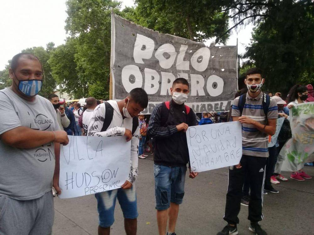 Polo Obrero realiza olla popular frente a la Municipalidad de Varela, reclaman mercadería para sus comedores