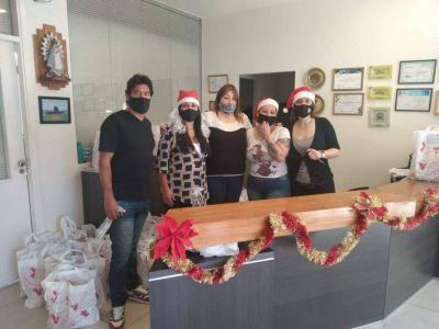 Gastronómicos y hoteleros reciben canastas navideñas