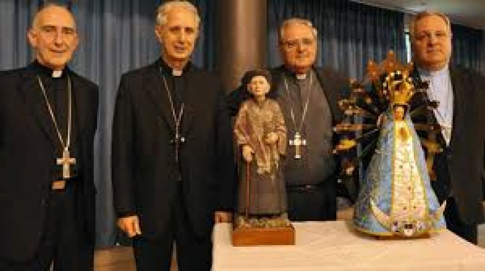 El Episcopado saludó al Presidente por Navidad pero no le pidió audiencia